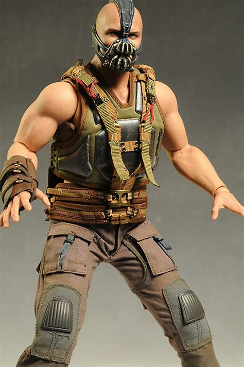 Review and photos of Dark Knight Rises Bane 1/6th action